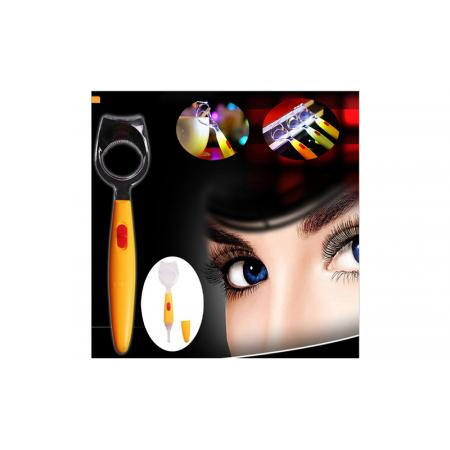 Eyeliner/ Eyelash Apparatus With Light For Mascara