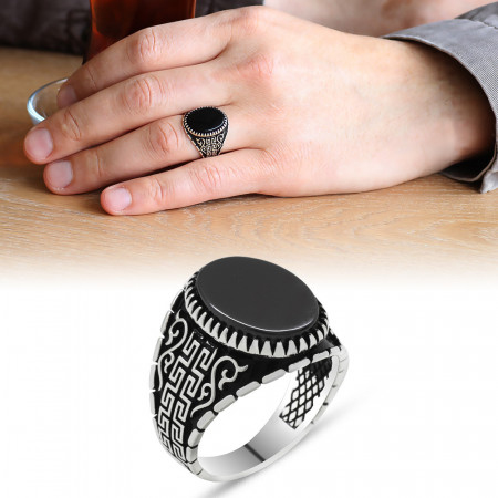 Men's Oval Onyx Stone 925 Carat Silver Ring