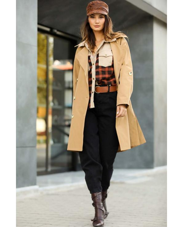 Women's Button Camel Trenchcoat